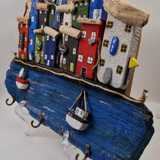 Driftwood House Keyring Holder